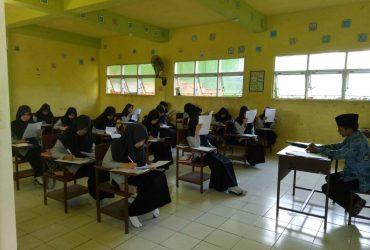 Hari Terakhir Ujian Akhir Pondok (UAP), Santri Bertarung dengan Fiqh dan Nahwu