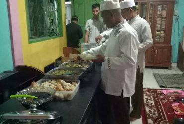Akip Umar  Buka Puasa Bareng Pengurus dan Staff Madrasah Aliyah Al Ittifaqiah